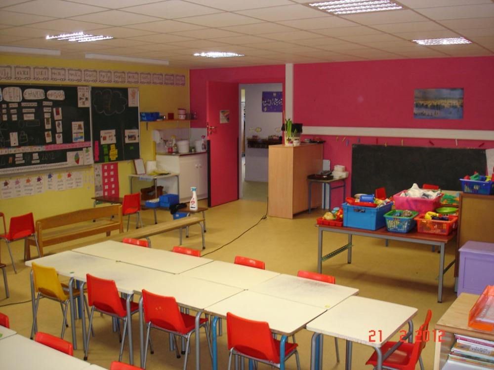 Les couleurs dans l'école maternelle des Myrtilles (2/6)