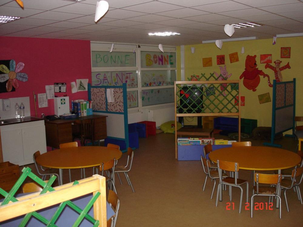 Les couleurs dans l'école maternelle des Myrtilles (4/6)